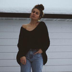 Sweaters - Oversized black knit sweater